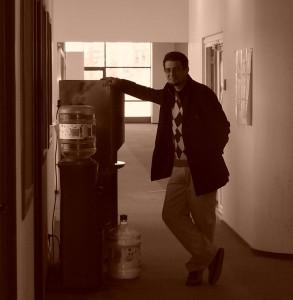 """Ionuţ Dulămiţă, la o ultimă cafea """"cu fisă"""" în sediul golit din strada Reînvierii"""