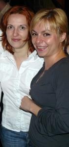 Laura Cernahoschi (în dreapta) împreună cu Irina Moldovan, şi ea redactor la Externe