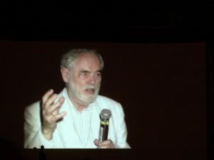 ... şi unul în amintirea criticului de film Ron Holloway, care le-a fost mentor la primele ediţii ale TIFF