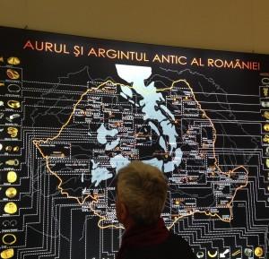 Harta cu locurile unde au fost găsite cele peste 1000 de artefacte prezente în expoziţie