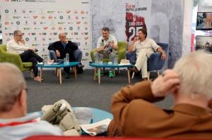Discuţia s-a purtat în spaţiul TIFF Lounge din Piaţa Unirii, în prezenţa a circa 100 de persoane. Foto: Raul Ştef (c)